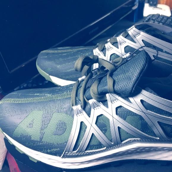 9725aae0bce33 Adidas Mens Vigor Bounce m Running Shoe Green 9